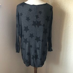NWT Rue 21 Long Sleeve Grey w/ Stars Shirt Sz L